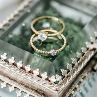 Bague Carador solitaire fantaisie deux ors 375/000, diamant 0,04 cts