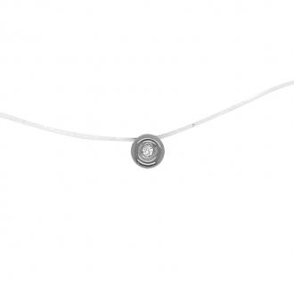 Collier Carador solitaire serti clos en or blanc 375/000