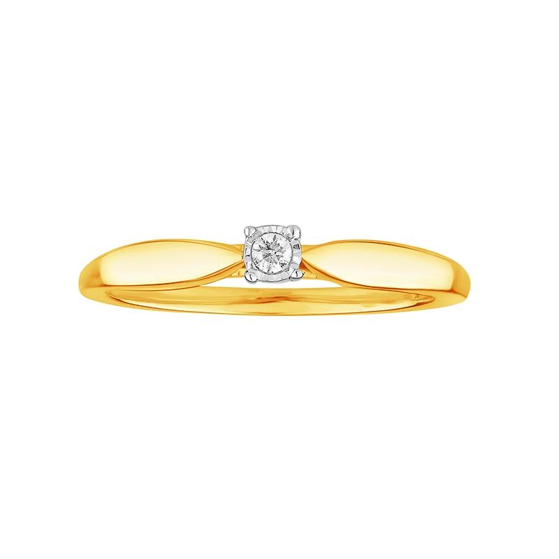 Bague solitaire Carador 4 griffes en or jaune 375/000 et diamant 0,03 cts